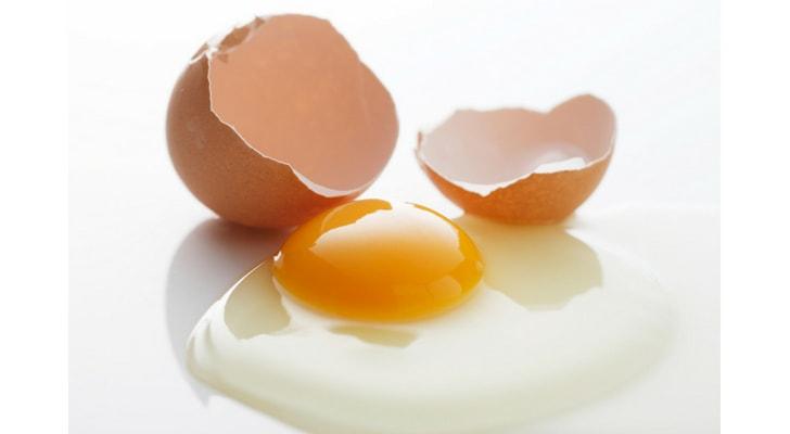割れた卵-min